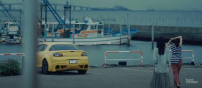 backnumber黄色に出てくるマツダRX-8